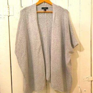 Short sleeved oversized sweater